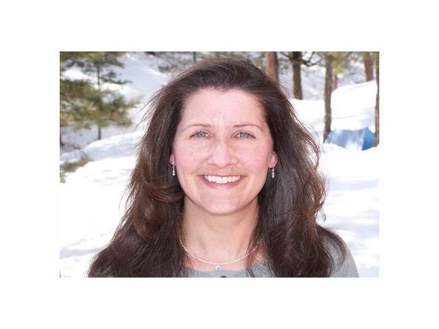 <b>Stephanie Neidermyer, LMFT <br>Therapist & Clinical Director</b>